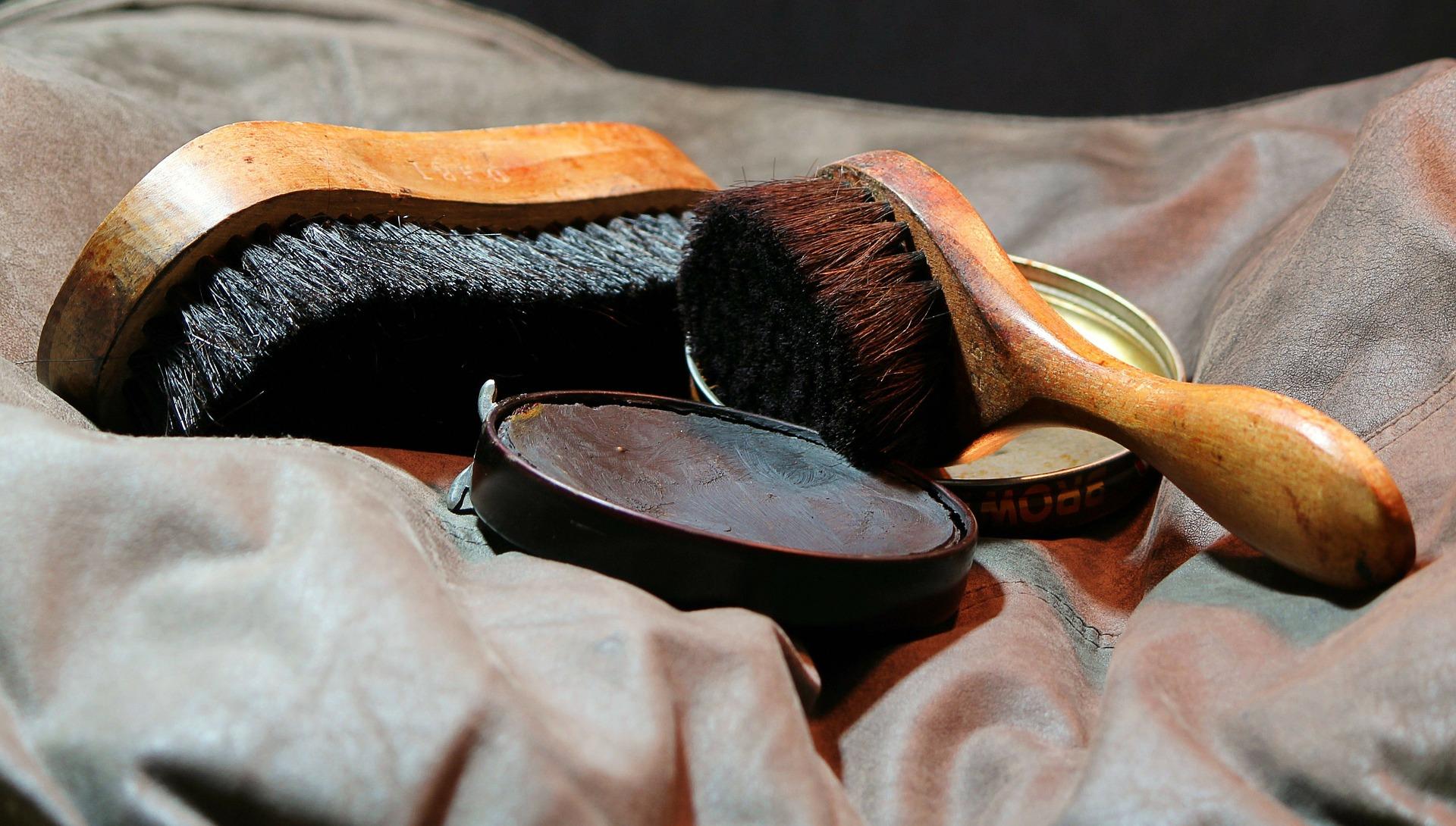 Schuhputzmaschine vereint alles, was manuell benoetigt wird